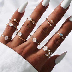 Vintage Gold Flower Ring Set 🤍☁️